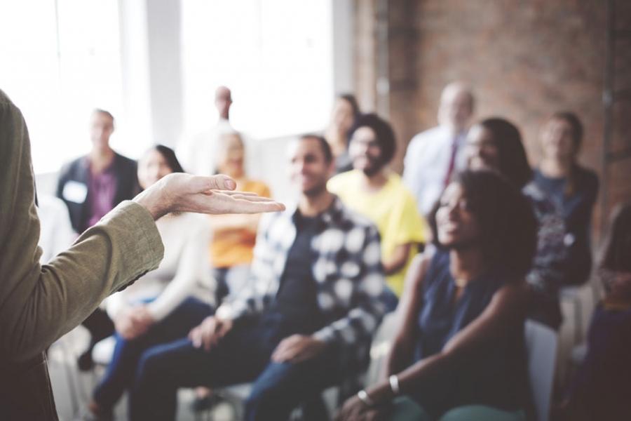 Εκπαίδευση Εκπαιδευτών Ενηλίκων: Βιωματική Μάθηση με Μικροδιδασκαλίες